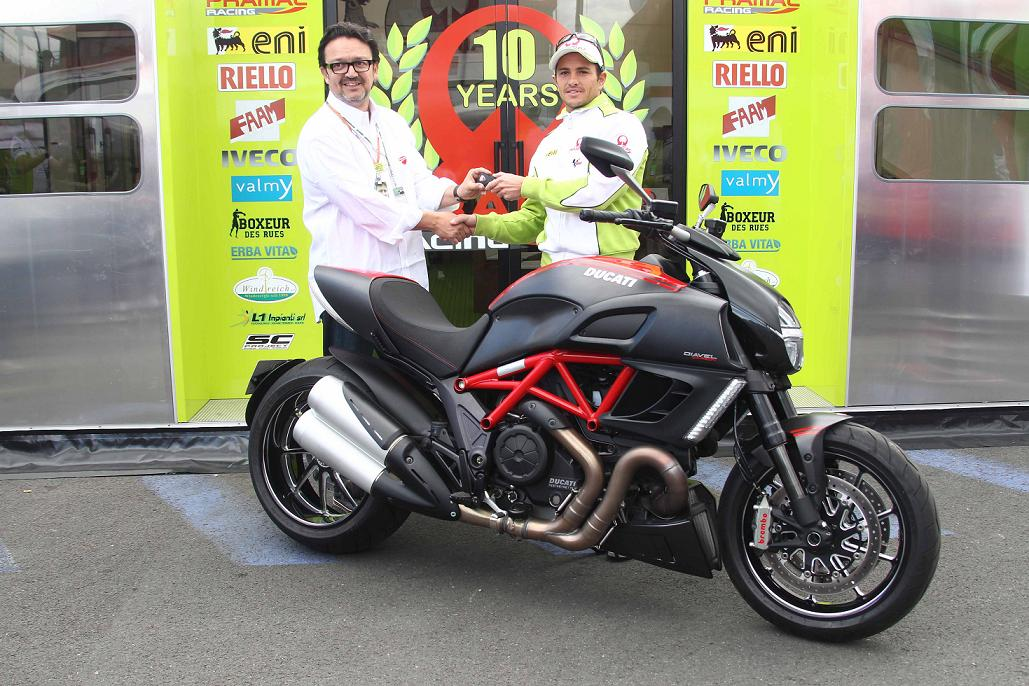 Randy de Puniet et sa Ducati Diavel